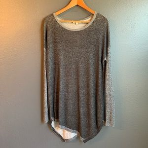 Two by Vince Camuto Sweater Gray Black Asymmetric